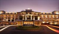 インターコンチネンタル/湖畔にたたずむブランドホテル