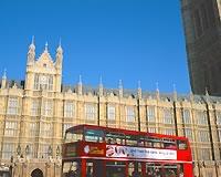 イギリス/ロンドン/国会議事堂と2階建てバス*