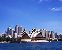 オペラハウスとシドニー市街*
