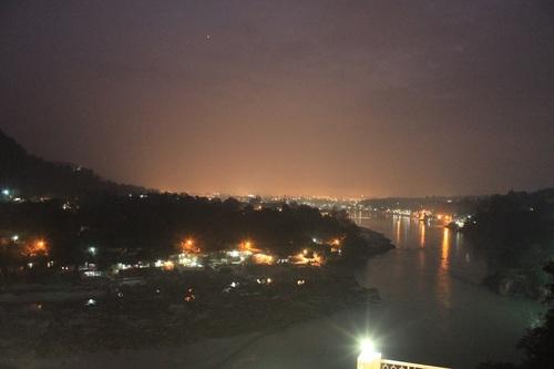 夜のガンジス河