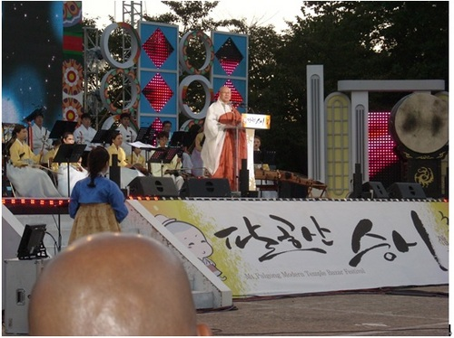 僧侶のコンサート