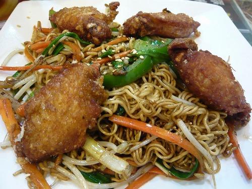 金黄鶏翼炒出前一丁麺2