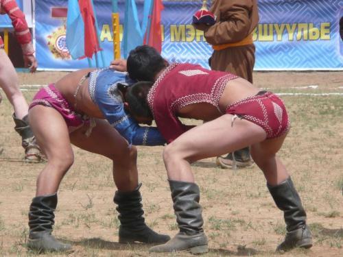 モンゴルのナーダム祭にて