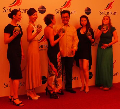 ワンワールド加盟記念ディナーCAドレス