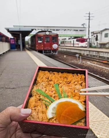 久慈駅ウニ弁当