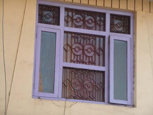 窓の格子1