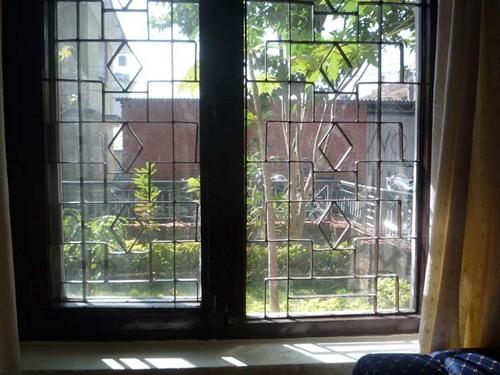 窓の格子2