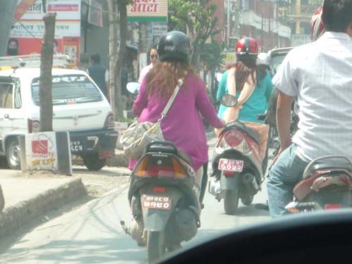 女性ドライバー1