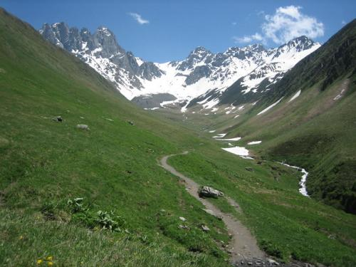 chaukhi massif