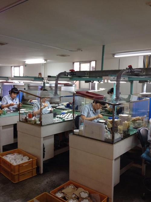 清州 韓国陶磁器社 工場2