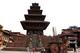 トゥマディ広場のニャタポラ寺院