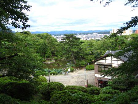 千秋公園 城下町を見下ろす