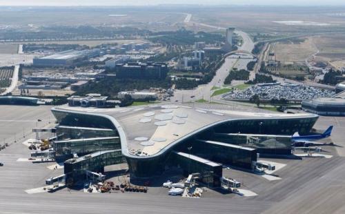 バクー空港