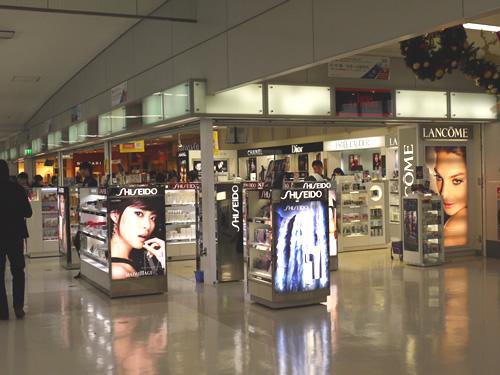 羽田空港の免税店1