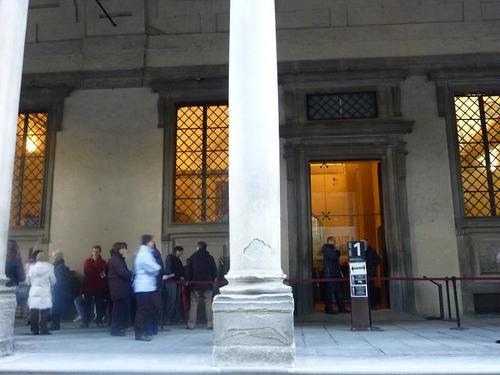 ウフィッツィ美術館予約者窓口