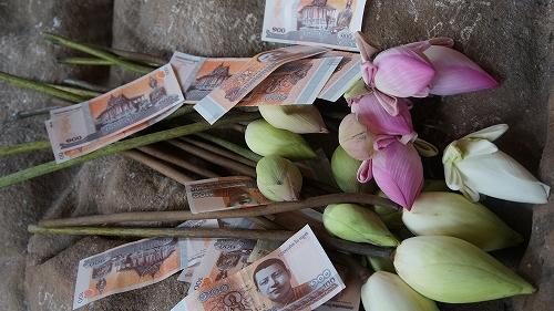 花とお賽銭
