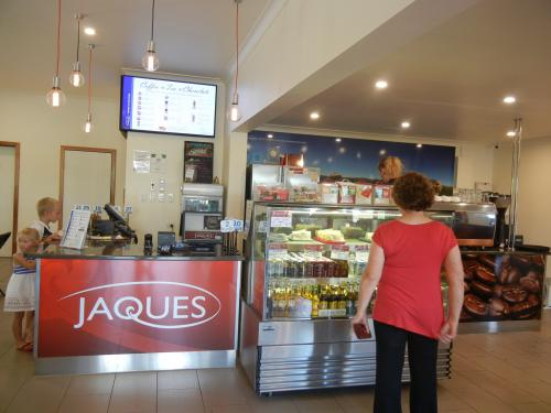 Jaques Cafe