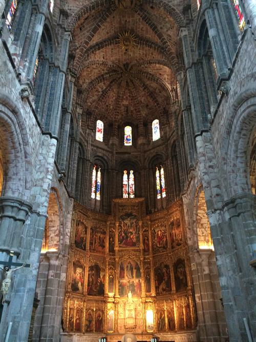 聖堂内部1