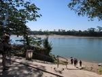 国境のウスマシンタ川