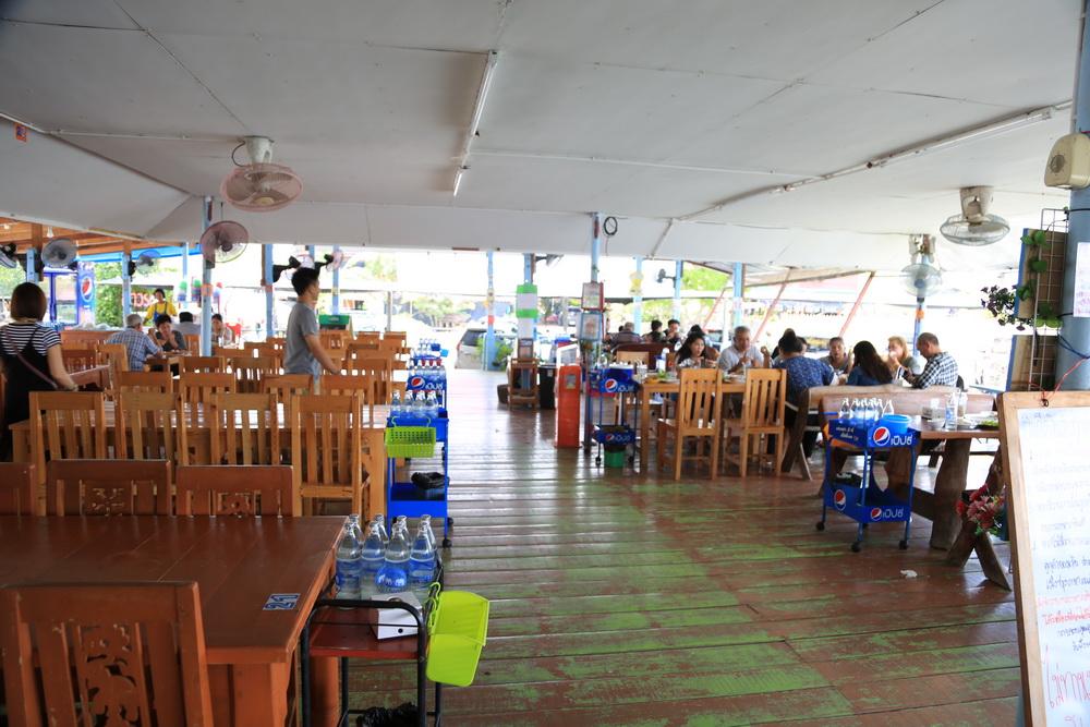 レストランの雰囲気
