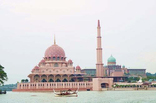 遠くからピンクモスク
