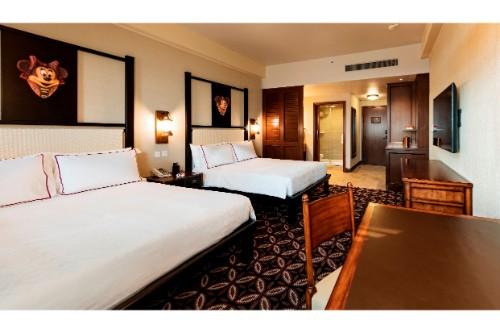 ホテル 部屋内