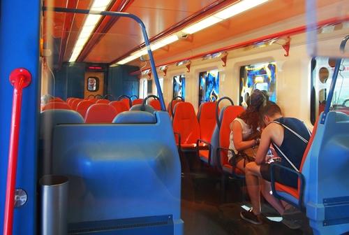 カラフル列車