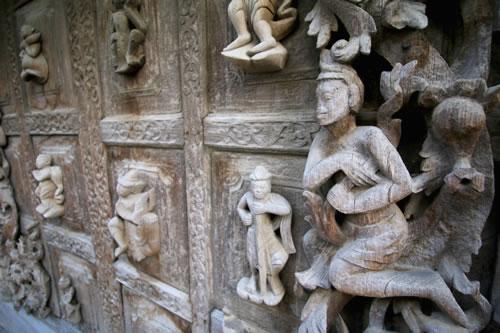 シュエナンドー僧院木彫