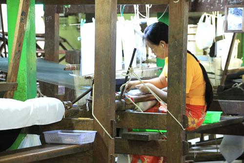 織物工房 女性