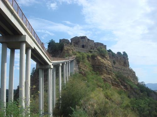 天空の城 チビタ