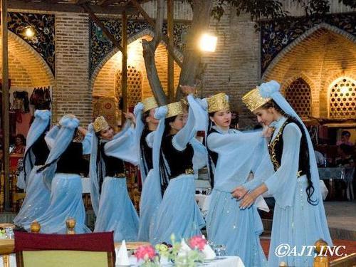 ウズベキスタン民族舞踏