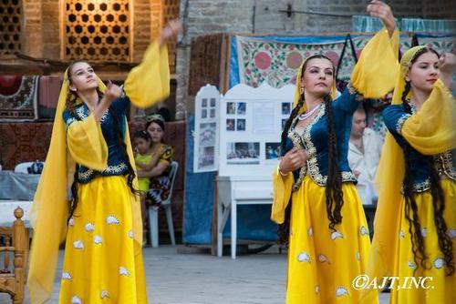 ウズベキスタン民族舞踏Y