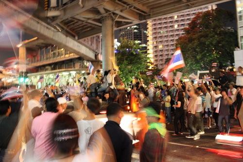 反タクシン派の抗議デモ