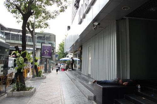 アユタヤ銀行前
