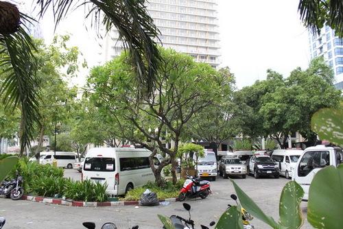 デュシタニホテルの駐車場