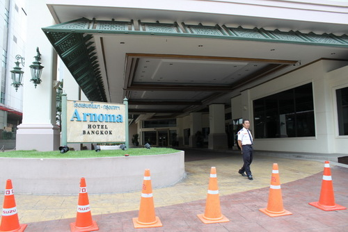 クローズしているアーノマホテル