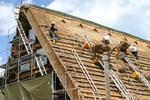 屋根の角度が急な造り