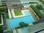 ホテルのプールです(∩´∀`)