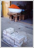 市場のラクダとダナキル砂漠の塩板  1