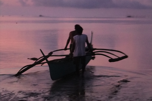 漁に出かける漁師