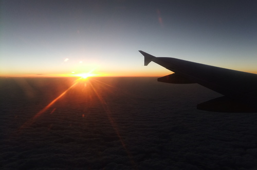 雲海に夕日が沈む