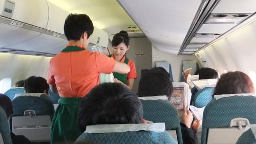 台南行きのフライトはそこそこ満席