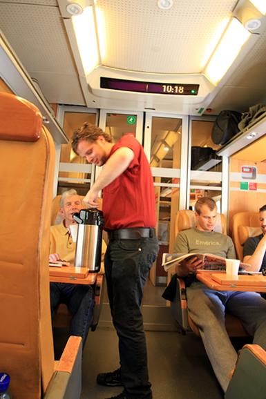 ベルゲン急行車内4 コーヒー