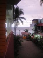 ビーチは紫外線100%!