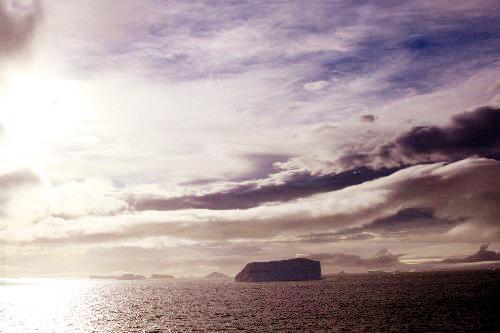 南極半島付近の夕景