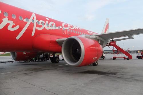 KLからバリ島デンパサールへ飛ぶ機体