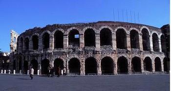 イタリア 野外オペラ祭公演情報