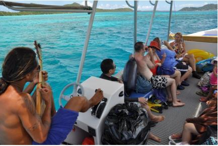 ボラボラ島 モツ ピクニック ツアー