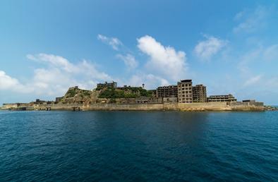 心ゆさぶる廃墟の島!世界遺産登録の軍艦島を訪れよう